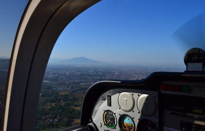 vista del vesuvio dal cockpit del sierra